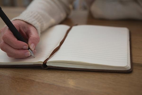 manfaat-menulis